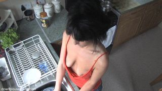 Skinny MILF in a kinky free down blouse small tits clip