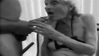 90 Years Old Granny [PornLeech.com]
