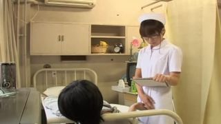Nerdy Japanese gets her bum sprayed in Japanese sex video